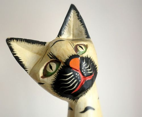 cat sculpture the head of the