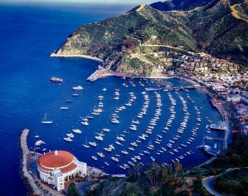 Catalina sala,Kalifornija,kazino,oro vaizdas,Ramiojo vandenyno regionas,jūra,vandenynas,valtys,laivai,įlanka,uostas,kalnai,papludimys,atostogos,šventė,hdr,pakrantė