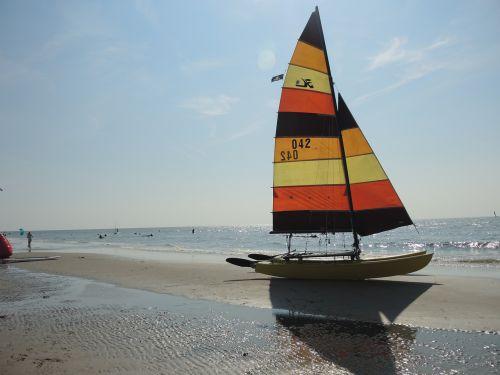 catamaran north sea sail