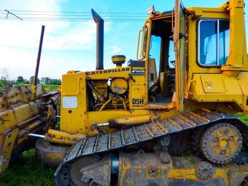 caterpillar bulldozer otr