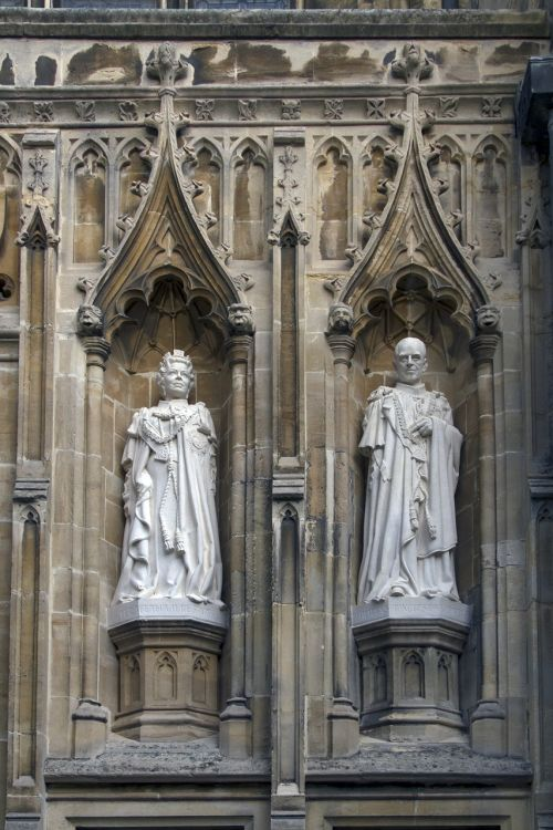 cathedral canterbury statues