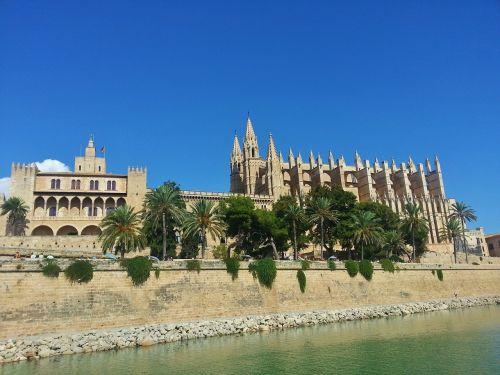 cathedral himmel blue