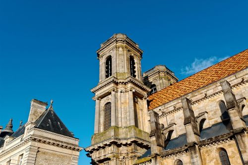 cathedral inside langres