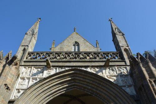 cathedral dol-de-bretagne architecture