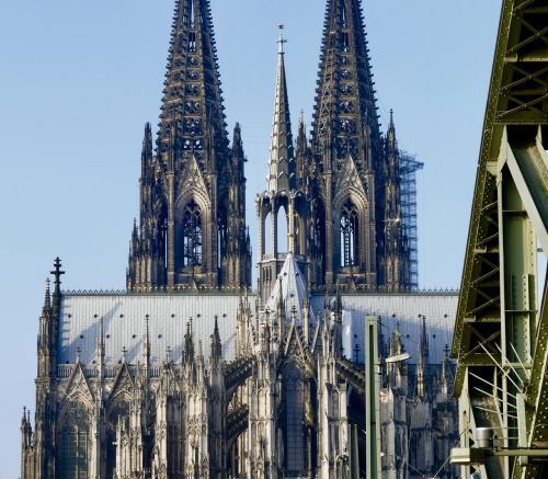 cathedral gothic language architecture
