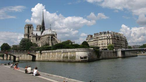 cathedral paris seine