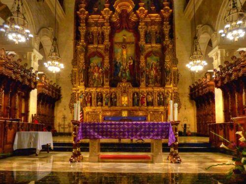 altorius, bažnyčia, katalikų bažnyčia, ornate, violetinė & nbsp, drapuota, auksinis, architektūra, šventa & nbsp, savaitė, šventykla, interjeras, ne & nbsp, žmonės, katalikų bažnyčios vidinis aukuras