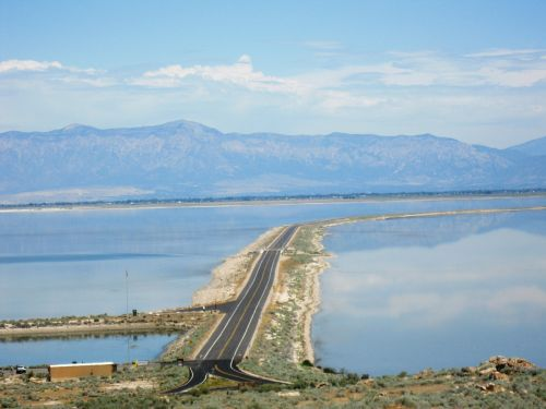 causeway salt lake mountains