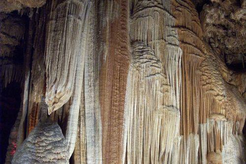 cave meramec caverns jessie james