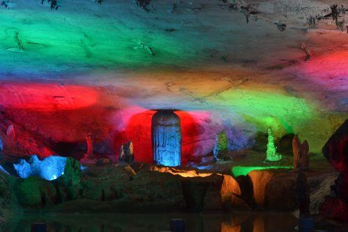 cave wonders views