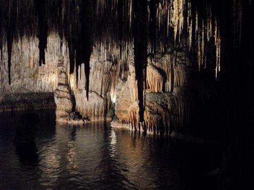 cave dragon's lair mallorca