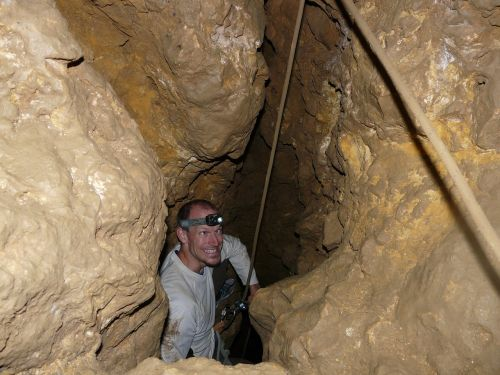 cave cave tour neanderthals
