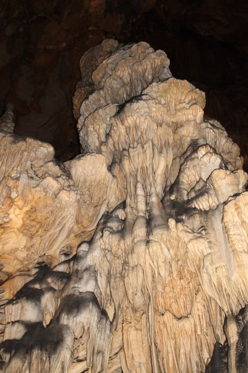 caves bridesmaids stalactites