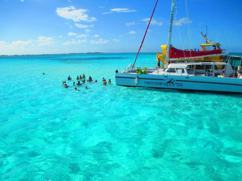 cayman islands party sailing