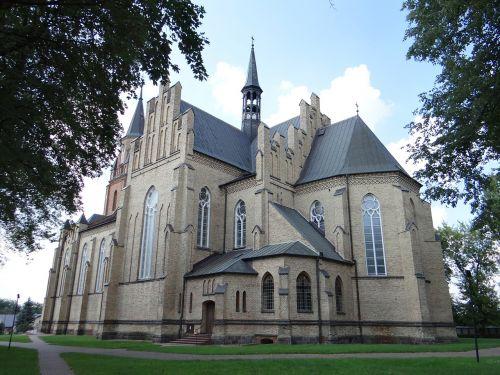 cbs lacki church architecture