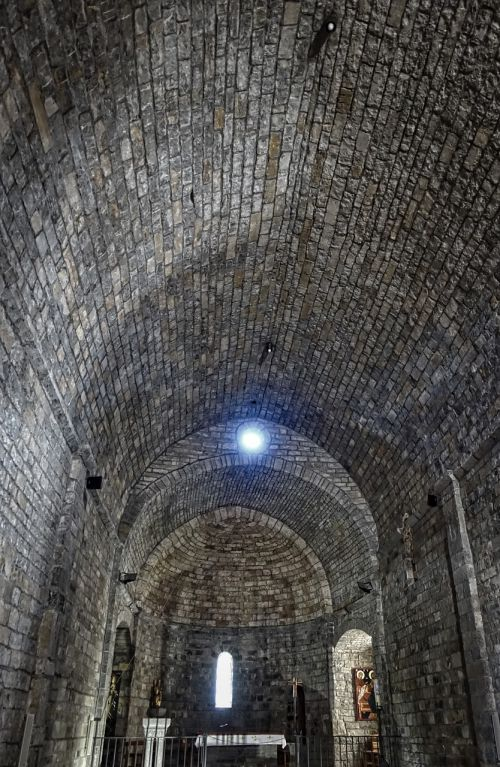 ceiling stone brickwork