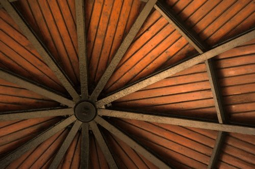 ceiling  wood  barbecue