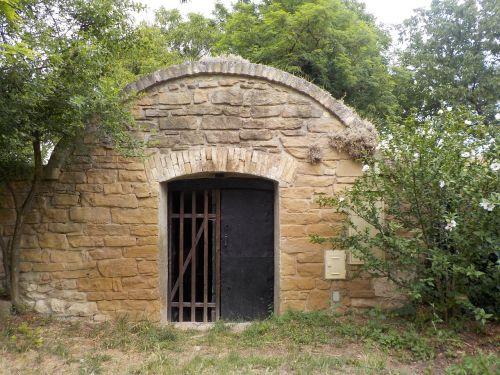 cellar keller input