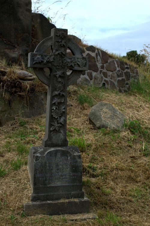 celtic cross cemetery celtic crosses