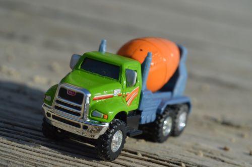 cementinis sunkvežimis,transporto priemonė,gabenimas,sunkvežimis,industrija,mašinos,pramoninis,maišytuvas,įranga,sunkvežimis,transportas,žaislas