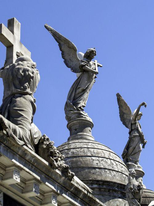 cemetery memorial angel