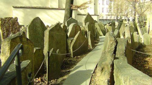 cemetery prague tombstone