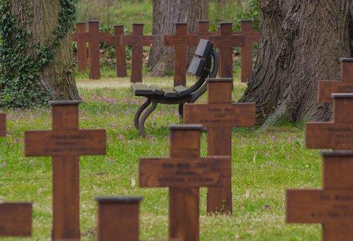 cemetery  honorary cemetery  world war