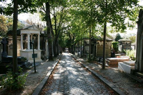 cemetery tombs pere lachaise