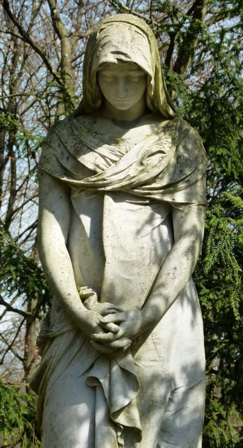 cemetery female statue pray
