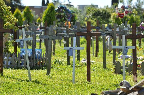 cemetery tomb prato