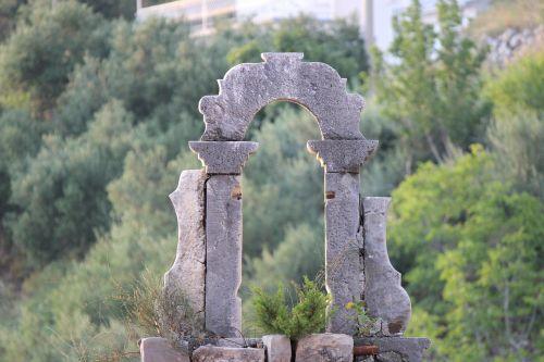 cemetery croatia monument