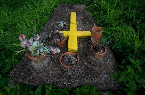 cemetery death yare