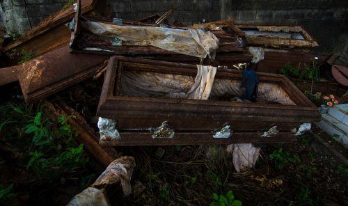 coffin cemetery venezuela