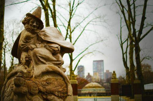 central park gnome statue