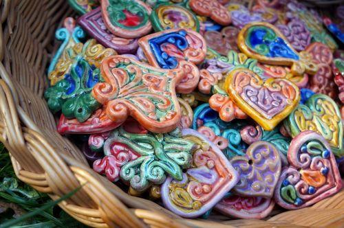 ceramic arts and crafts unloading