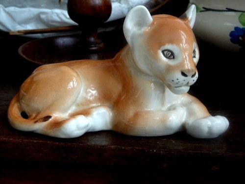 Senovinis, liūtas, Cub, liūtys, cubs, gyvūnas, gyvūnai, laukiniai, laukinė gamta, gamta, statula, statulos, statulėlė, statulėlės, figūrėlė, figūrėlės, keramika, keramika, keramika, porcelianas, vintage, klasikinis, antikvariniai daiktai, senas, victorian, victoriana, keramikos liūto kub