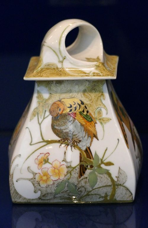 ceramics pot bird