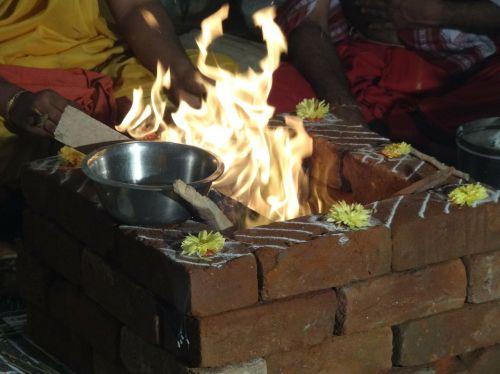 ceremony fire prayers
