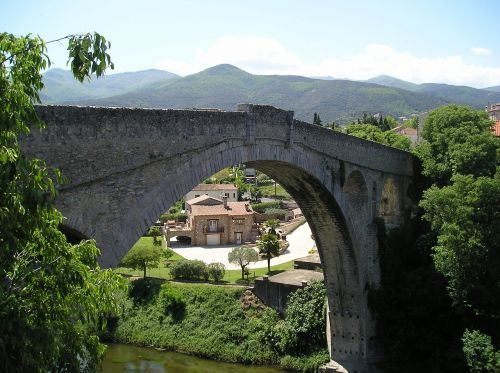 ceret pont du diable bridge