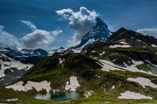 cervin,zermatt,swiss,gamta,kelionė,lauke,Europa,europos,Alpių,Alpės,žiema,aukštas,kalnas,grožis,Ceu,namelis,kraštovaizdis,peizažai,Šveicarija,turizmas,turizmas,turizmas,nevado,sniegas,mėlynas,atspindys