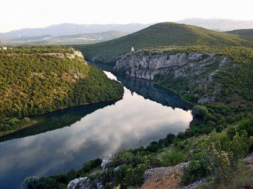 cetina upė,upė,kanjonas,gamta,kroatija,kraštovaizdis,kalnas