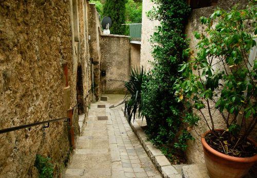 cévennes medieval village lane