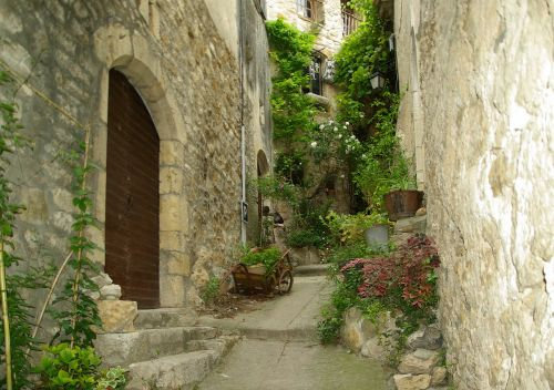 cévennes lane medieval village
