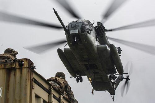 ch-53e,super eržilas,usmc,jūrų pėstininkai,Jungtinių Amerikos Valstijų jūrų korpusas,53e,ugnies jėga,dangus,kariuomenė,sraigtasparnis,skraidantis,purentuvas,įranga,įrengtas,oras,skristi,heli,jūrų,eržilas,valstijos,meistriškumas,parama,sunkusis liftas,heivylift,Hover