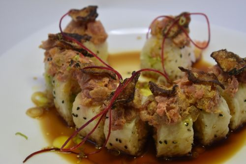 chacaloso roll sushi roll