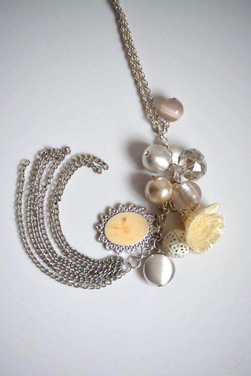 chain jewellery trailers