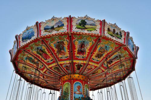 chain carousel oktoberfest ride
