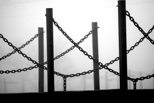 chains fog light