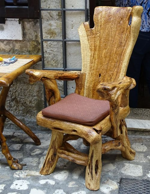 chair croatia streetscape
