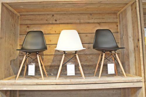chair exhibition coffin